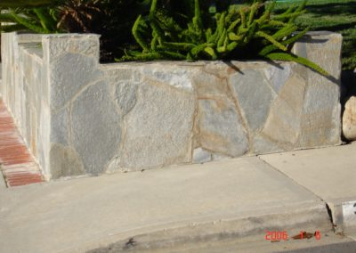 Flagstone planter wall built by AJM Construction Services, Orange County, CA